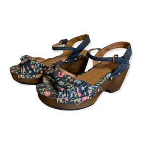 Candie's Floral and Denim Wedges - Girl's Size 13